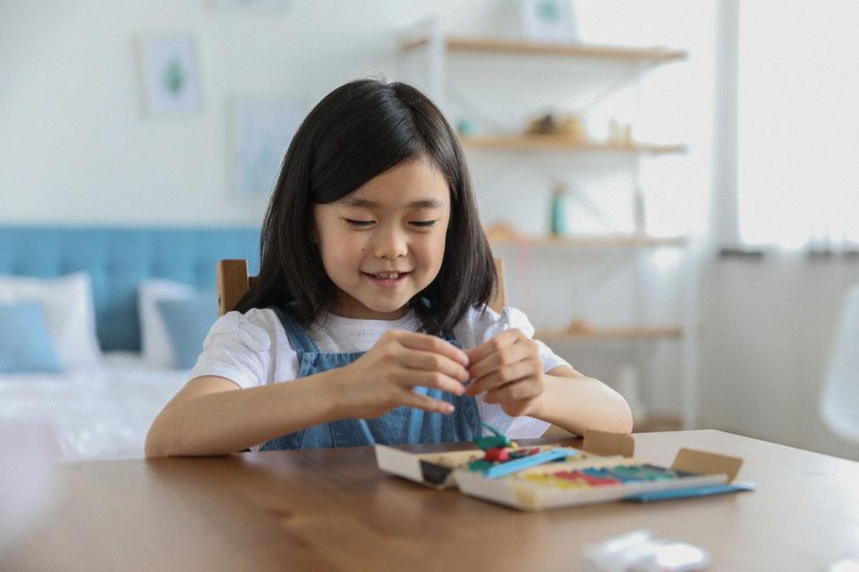 fun activities, children addicted to smartphones